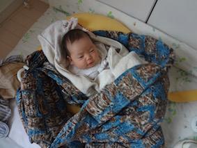 高齢出産では添い寝がキツイことも?