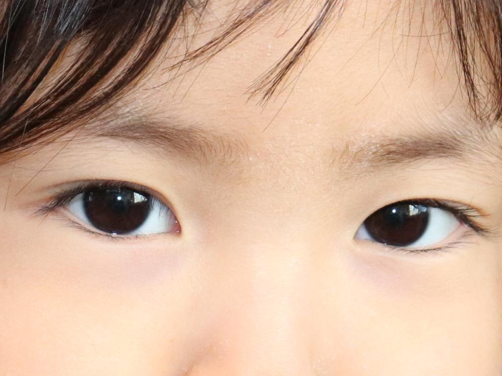 目が悪くなるのは遺伝?子どもの視力を守るためにできること
